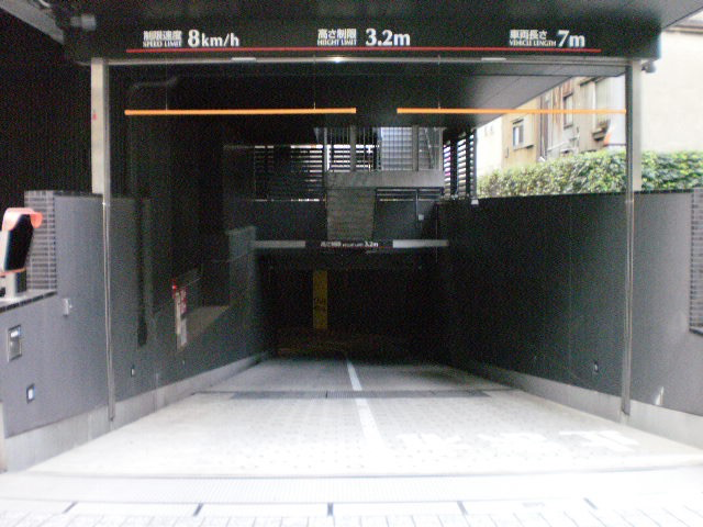 住友不動産秋葉原ビル月極駐車場入口