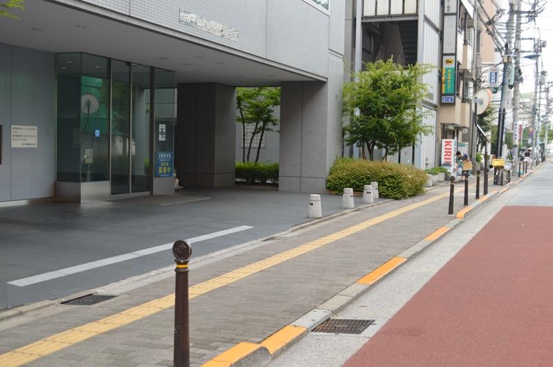 住友不動産飯田橋ビル2号館駐車場入口