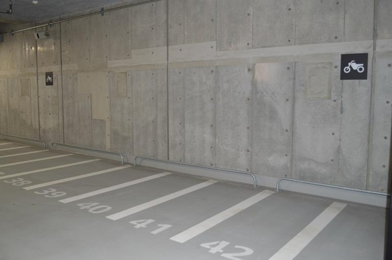 バイク専用の平面式駐車場