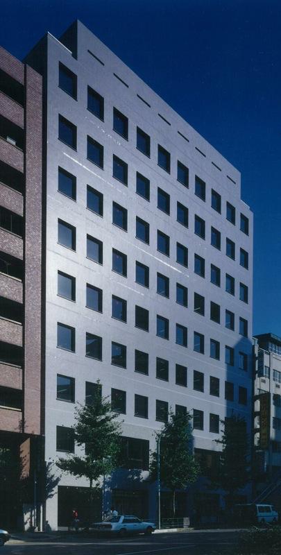 新宿三光町ビル月極駐車場