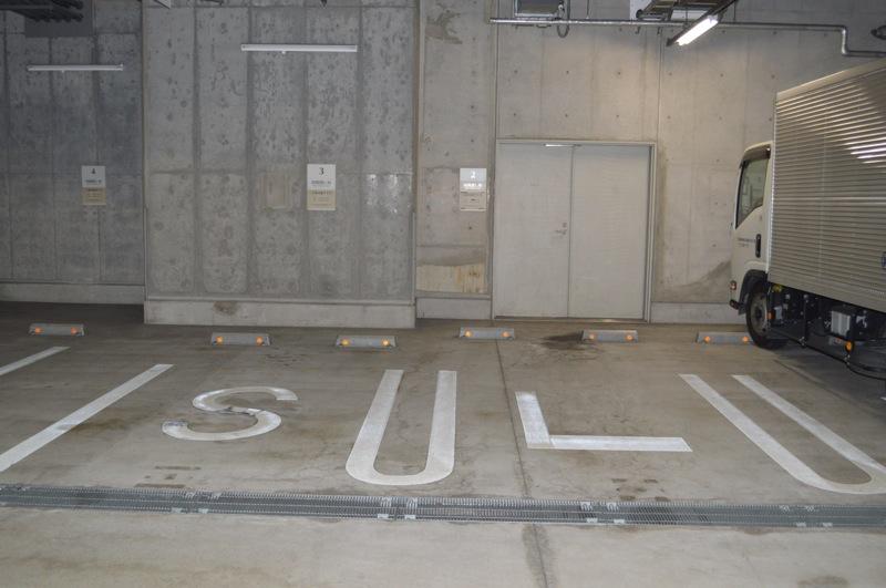 屋内平面駐車場
