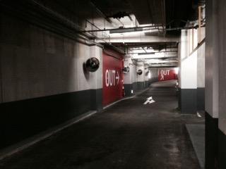 屋内駐車場の様子