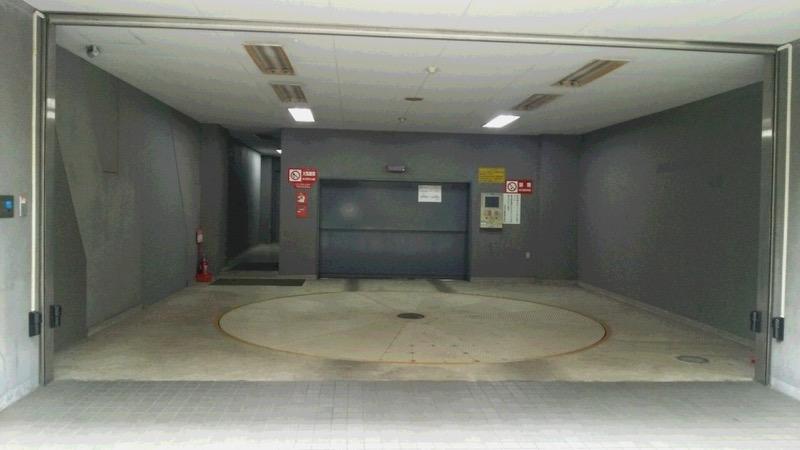 住友不動産茅場町ビル月極駐車場入口