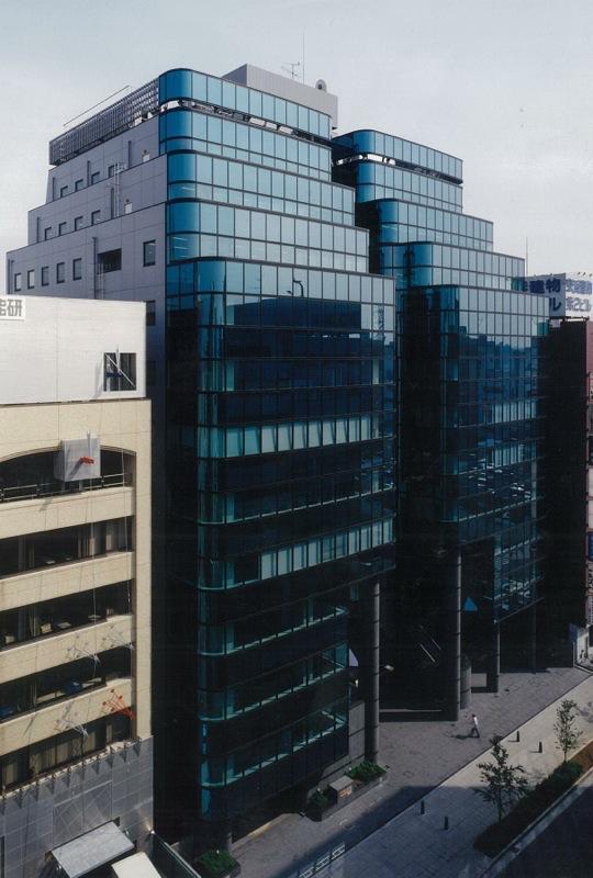 住友不動産新横浜ビル月極駐車場