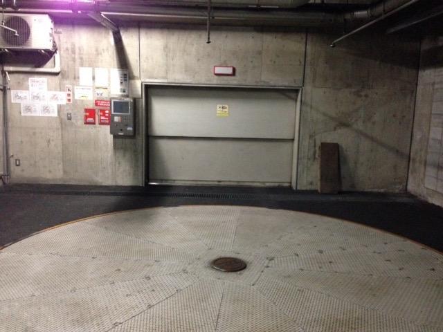 機械式駐車場(ターンテーブル)