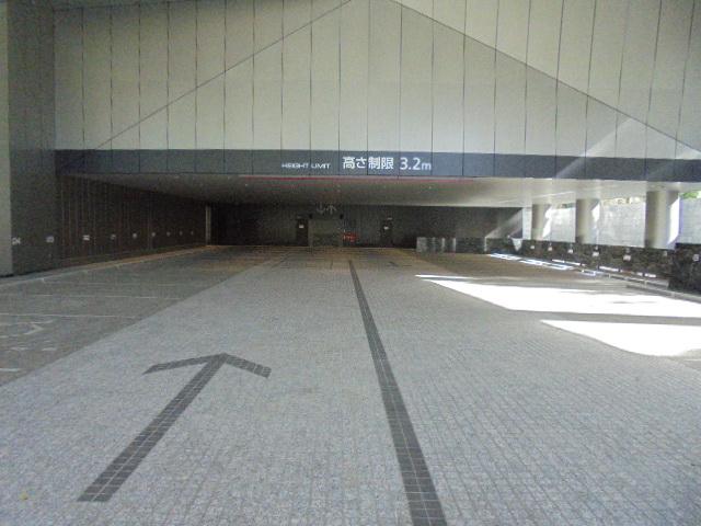 住友不動産麻布十番ビル月極駐車場入口